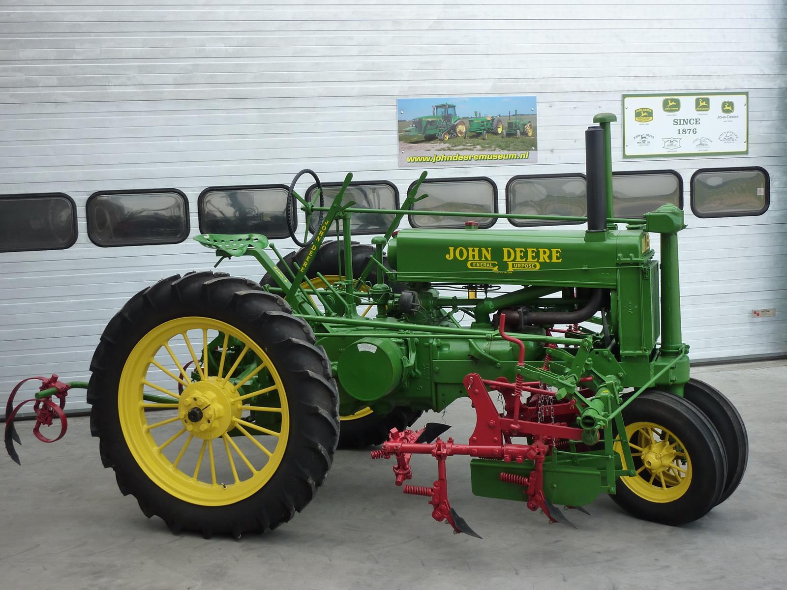 John Deere museum 2013-06-17 008